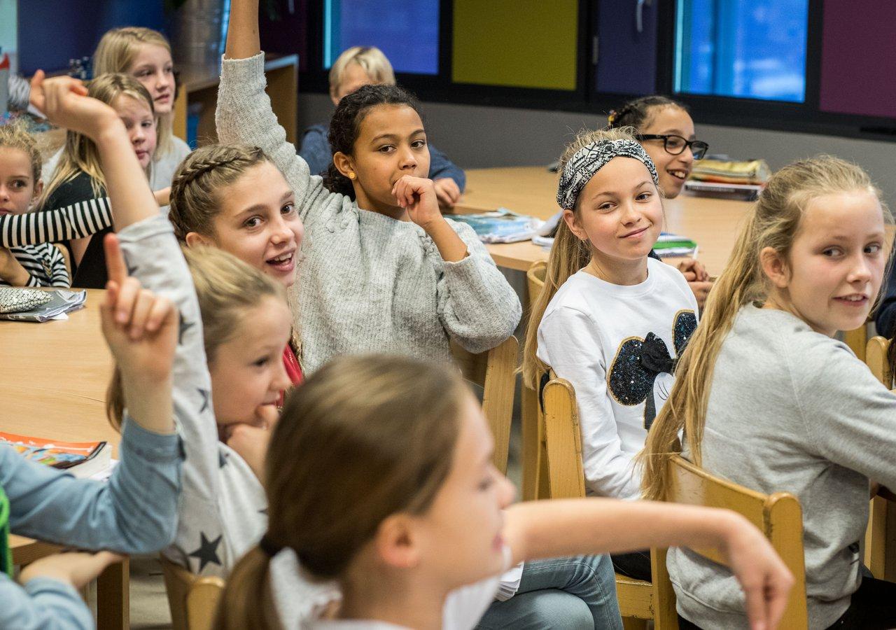 VodafoneZiggo pakt gebrek aan digitale vaardigheden in onderwijs aan